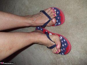 erotic mature feet