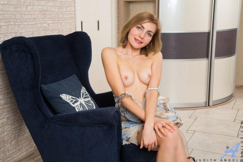 small boobs